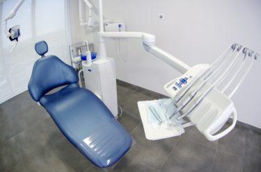 1社目時代「たった2人でベンチャー企業を起して歯科医療商社を創業する」